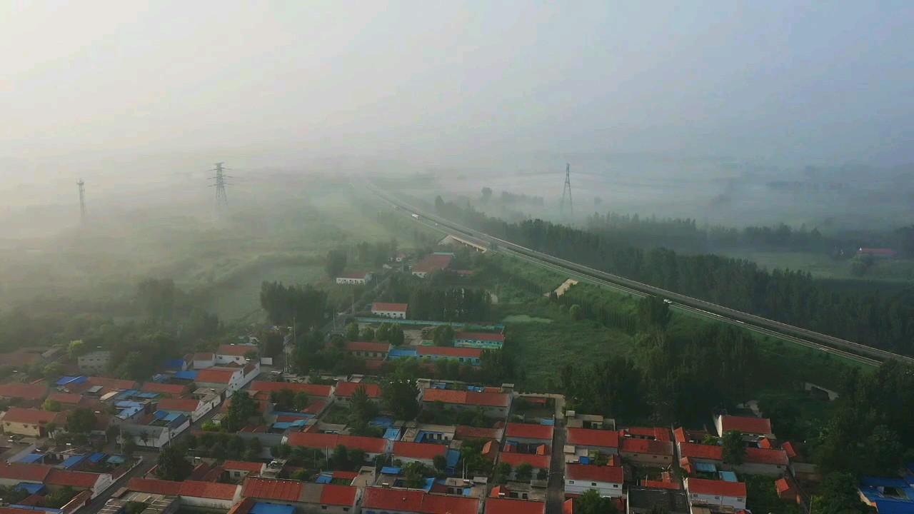 黄河岸边的早晨