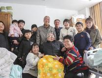 【新春走基层】大年三十,养老院的幸福特写