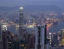 """人民日报评论员文章:香港长期繁荣稳定的""""防波堤"""""""