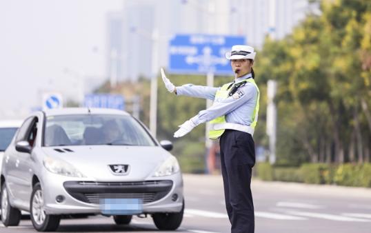创城让生活更美好!滨州交警营造安全、文明、畅通、有序城区道路交通环境