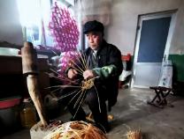惠民:传承百年手扎灯笼 民俗里的年味亮起来