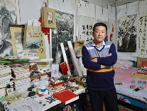 """滨州这位49岁的""""保安大叔""""要火!心怀绘画梦 创作百米山水长卷献礼十九大"""
