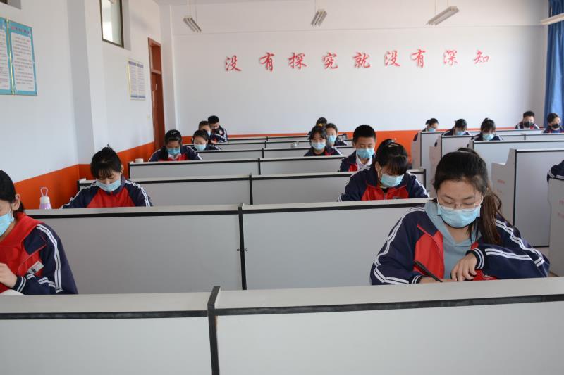 严格落实防控措施 三河湖实验学校初三毕业生顺利复学