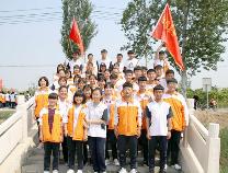 阳信县第二实验中学高一高二学生励志远足感受梨园