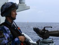 """海军第二十九批护航编队科学应对热带风暴""""萨迦"""""""