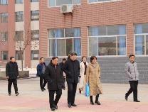 滨州市教育局来车王镇中学对学校语言文字达标建设进行评估