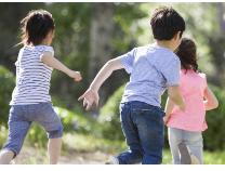 央视评论:三孩生育政策正式入法,为人口均衡发展注入动力