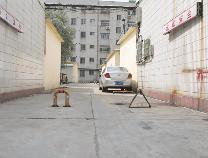 【创城红黑榜】消防通道设障碍  安全如何能保证