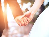 """光明日报刊文:""""婚姻推迟""""背后是社会学命题"""