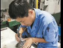初中文凭的金牌工人林红星研发出国内领先的盐芯产品