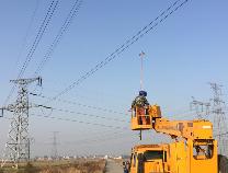 国网滨州供电公司首次在220千伏线路安装警示灯