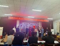 阳信一中英语话剧《Kong Yiji》在市高中英文戏剧展演中摘桂