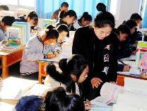 无棣县教体局教研室来车王镇中学教学视导检查促学校规范提升