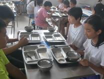 暑期不忘践行光盘 经济技术开发区中海小学在行动