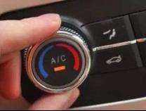 """夏天汽车开冷气前,先按一下这个钮,否则可能吸进""""毒气""""!"""