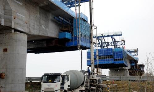 【视频】邹平货运铁路项目全线停工 周全大年夜干