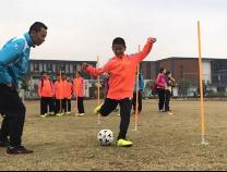 《校园足球》:教育综合改革实验 学校体育不可缺席