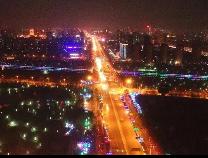 灯光璀璨,滨州夜晚的街头,有点美!