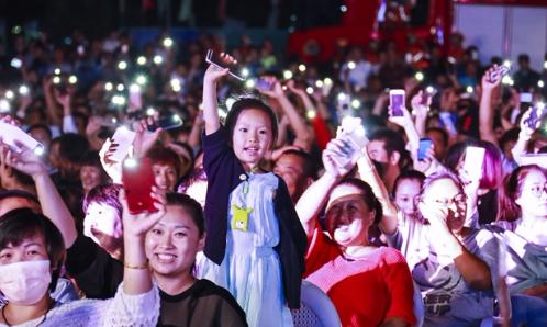 """""""天地仁和""""中国首届鸟文化节在北海经济开发区开幕"""