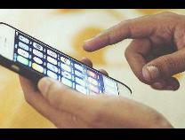 """经济日报:手机内存不能""""缺斤少两"""""""