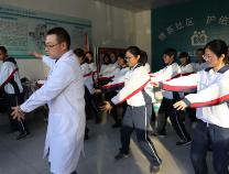 邹平一中高中生社会实践探索传统中医文化