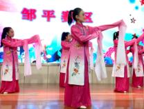 滨州市中小学生校园艺术节举行 3000名中小学生登台秀唱功