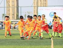 """48支球队700余名队员参赛 滨州市2017""""成长杯""""青少年快乐足球联赛开赛"""