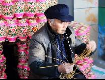 滨州张老汉和他的手扎灯笼
