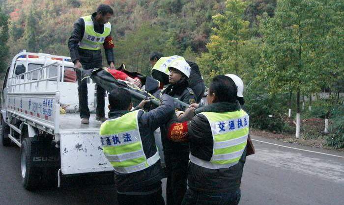 博兴交警建立交通事故绿色救援机制