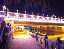 滨城区黄河五路新立河桥下走廊投入使用方便市民游园