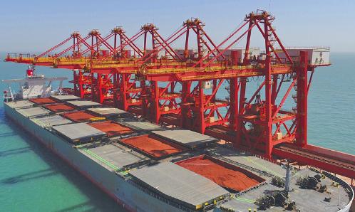 30万吨级!全球最大铝矾土船抵达烟台港!终端厂家魏桥创业集团